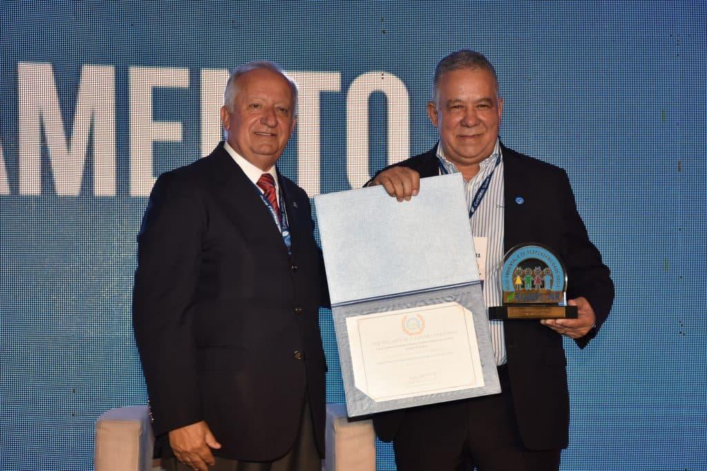 Cerimônia Do Prêmio Rares De Responsabilidade Social Encerra O XXI Congresso Nacional Da Anoreg/BR